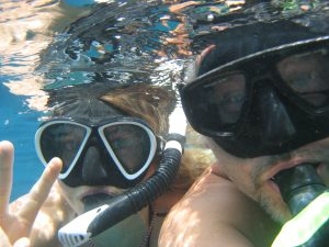 Lars and Johanna, taking a selfie underwater